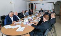 إتحاد جمعيات رجال الأعمال الفلسطينيين يلتقي مع جمعة البنوك الفلسطينية للتباحث في سبل الخروج من الأزمة المالية والاقتصادية